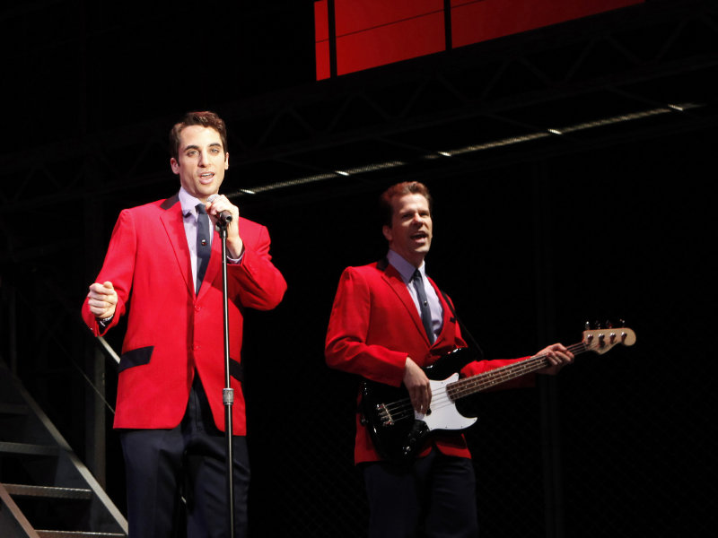 OnMilwaukee.com Arts & Entertainment: 'Jersey Boys': A hit for all ...