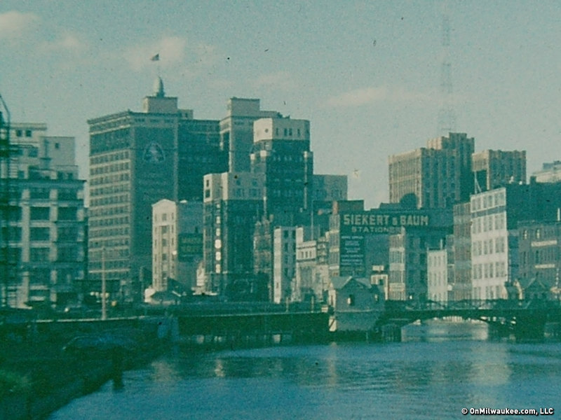 Condos After Dark 100 Wisconsin Avenue >> 10 Views Of 1950s Milwaukee Onmilwaukee