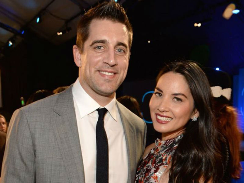 Who is aaron rodgers dating 2019