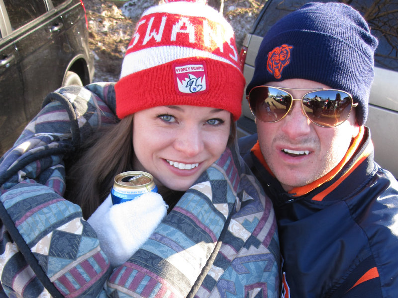 Alissa wasn't beyond fraternizing with the enemy to stay warm as the Bears took on the Packers.