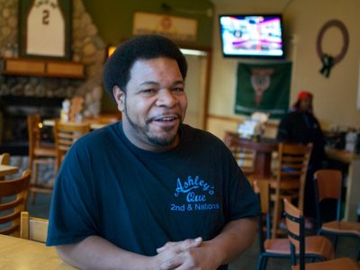 Featured server: Tyrone Luckett of Ashley's Que