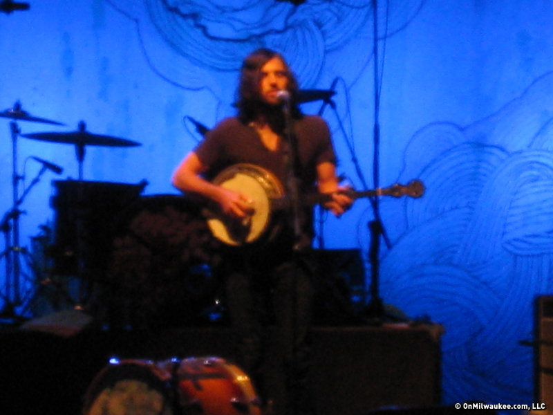 The Avett Brothers brought a southern twang to the BMO Thursday night.