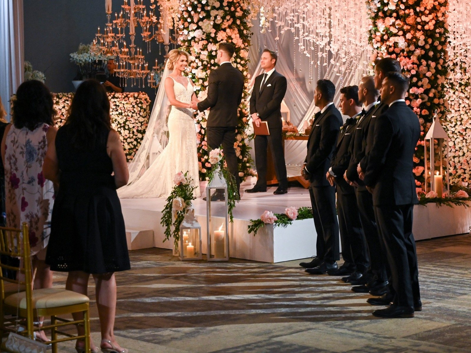 A Harvest Wedding Cast.Bachelor In Paradise Recap The Cast Turns Into Wedding Crashers