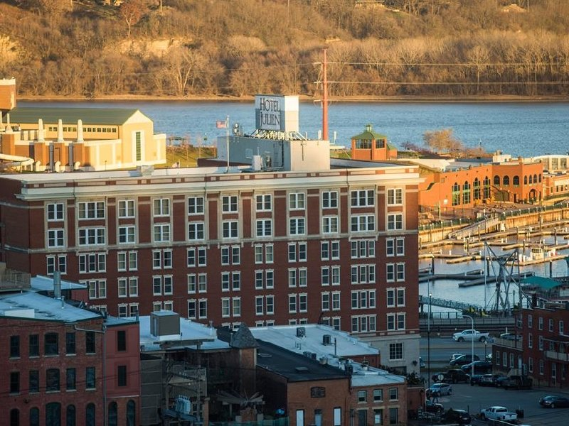 The Hotel Julien Dubuque.