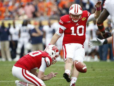 Rejoice! Badgers football is back, and so is dancing kicker Rafael Gaglianone