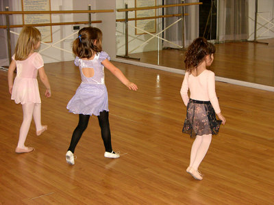 Balliamo Bambini offers language and dance for the little ones