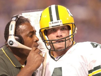 Favre's return not a truce but a sign of historical reverence