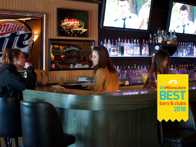 Milwaukee S Best Bar For A Bachelorette Party Girls Night