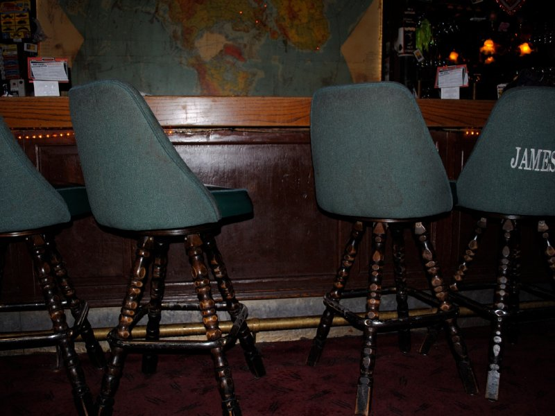 A blessing and a curse milwaukee 39 s most comfortable bar for Most comfortable bar stools