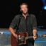 Blake Shelton masters the banter, builds on star power during Summerfest set  Image
