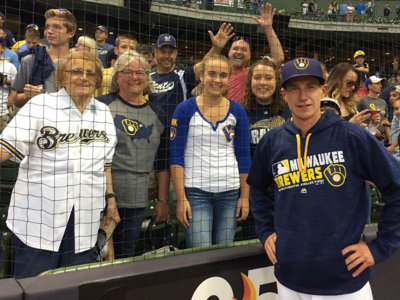 Brewers announce casting call for special fan photo shoot Image