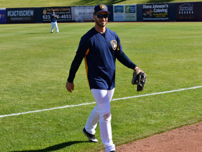 All smiles in the sun, Braun set for spring debut