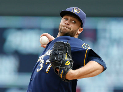 Brewers trade Tyler Thornburg to Red Sox for third baseman, two prospects