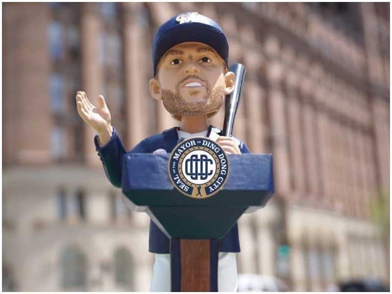 brewers-travis-shaw-ding-dong-bobblehead