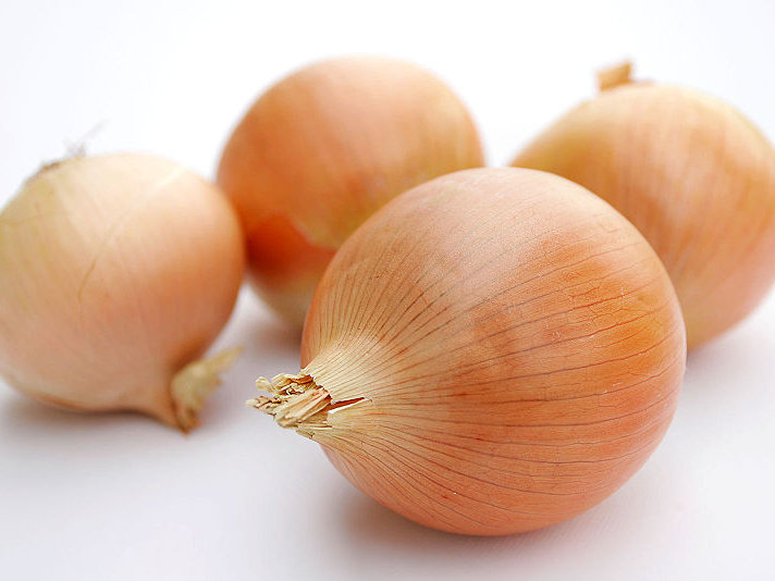 Actually, I wouldn't mind gettng onions as a holiday gift. I find them delicious.