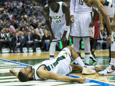 It's the worst news, Bucks fans: Jabari Parker has torn his ACL again