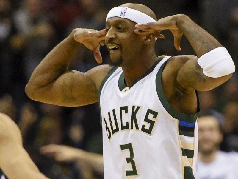 Jet lands back in Milwaukee: Bucks re-sign Jason Terry to one-year deal Image