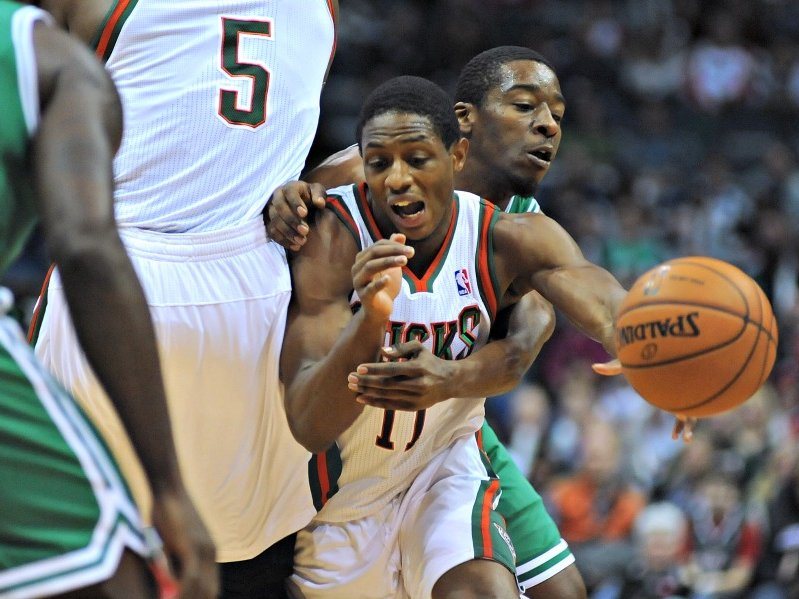 Bucks struggling in crunch time onmilwaukee brandon publicscrutiny Image collections