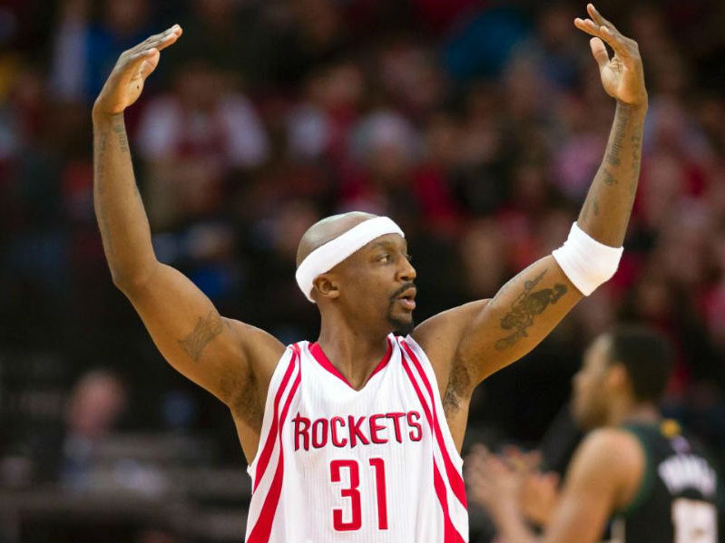 Adding more veteran leadership and 3-point shooting, Bucks sign Jason Terry
