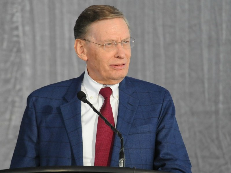 The Milwaukee Brewers will honor outgoing Major League Baseball commissioner and former owner Bud Selig with a retired number.