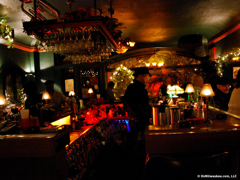 Caroline S Jazz Club An Intimate Music Hideaway Onmilwaukee
