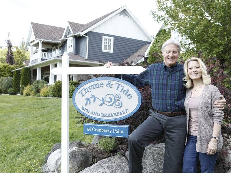 "Bruce Boxleitner and Barbara Niven star in ""Debbie Macomber's Cedar Cove"" on Saturday nights on the Hallmark Channel."