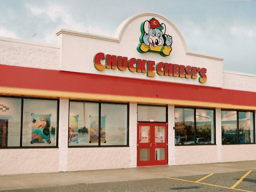 Brookfield's Chuck E. Cheese's has gone wild!