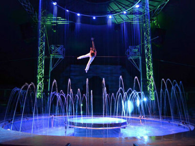 Cirque Italia water circus comes to Milwaukee this weekend