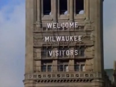 Say H-E-L-L-O again to the historic Milwaukee City Hall letters