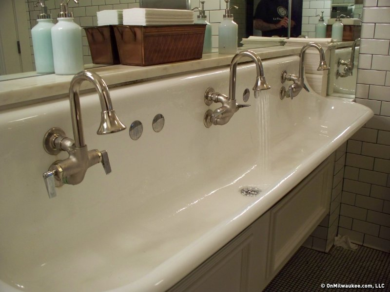 You Could Eat Out Of These Sinks But Don T That S Weird