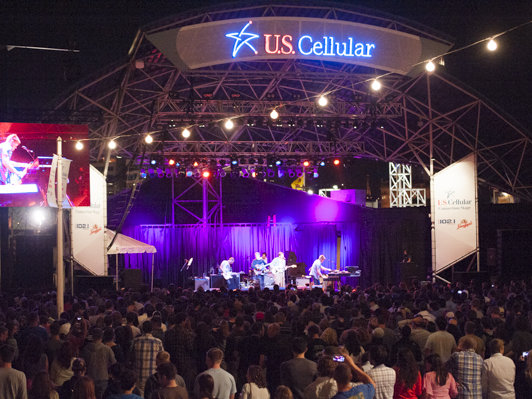 Cold War Kids performed on a fittingly cold Sunday night at the U.S. Cellular Stage.
