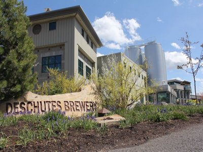 Deschutes Brewery brings street pub to Pere Marquette Park