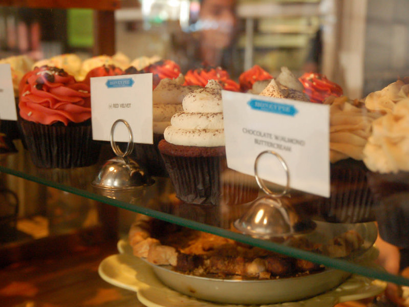 Honeypie's cupcakes might be a risk for dining and driving, but there are also caramel brownies.
