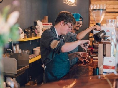 Milwaukeeans take coffee to new levels at Door Co. experimental coffee bar