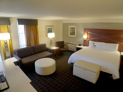 Sleek and stylish, DoubleTree makes a solid base for business travelers Image