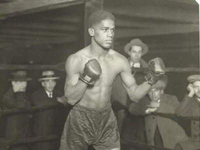 Flowers a pioneer in Milwaukee boxing
