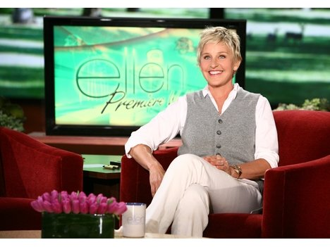 ellen degeneres moves up an hour in the fall tv shuffle onmilwaukee. Black Bedroom Furniture Sets. Home Design Ideas