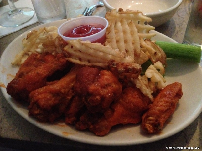 "Elsa's wings were on my ""bucket list"" for dining, one I finally checked out this weekend."