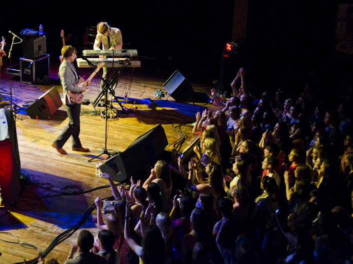 Eric Hutchinson and his band made quite an impression Thursday night at Turner Hall.