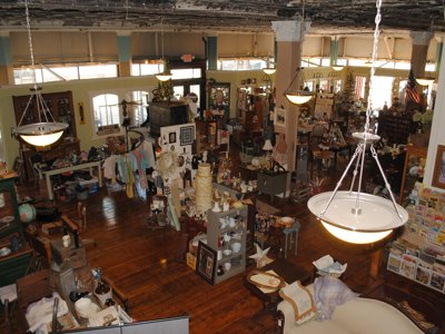 Farm Girl offers fresh crop of antiques, art pieces