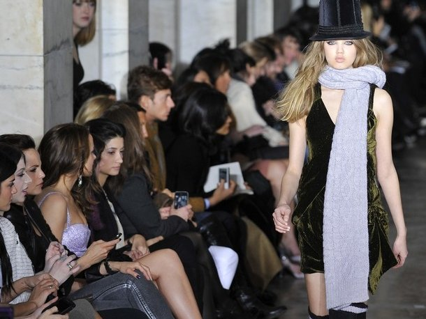 Jill Stuart's collection was wartime chic.