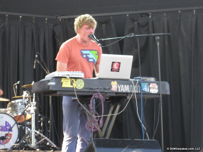 Frontman Josh Evert played the piano and the beat machine while singing into one mic and occasionally two.
