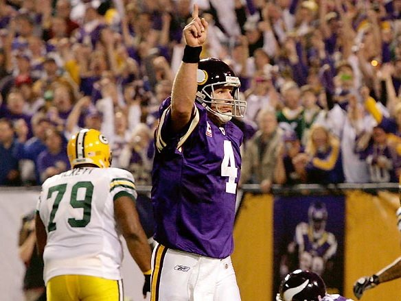 Leaves Are Turning And Brett Favre Is >> Which Quarterback Is No 1 Favre Leaves Little Doubt Onmilwaukee