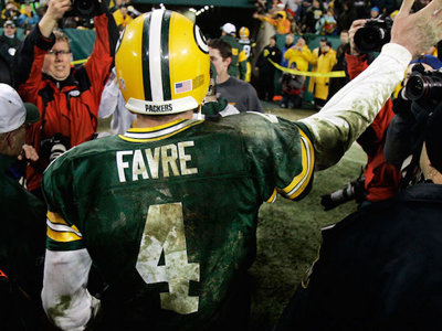Favre ceremony is a testament to fan forgiveness