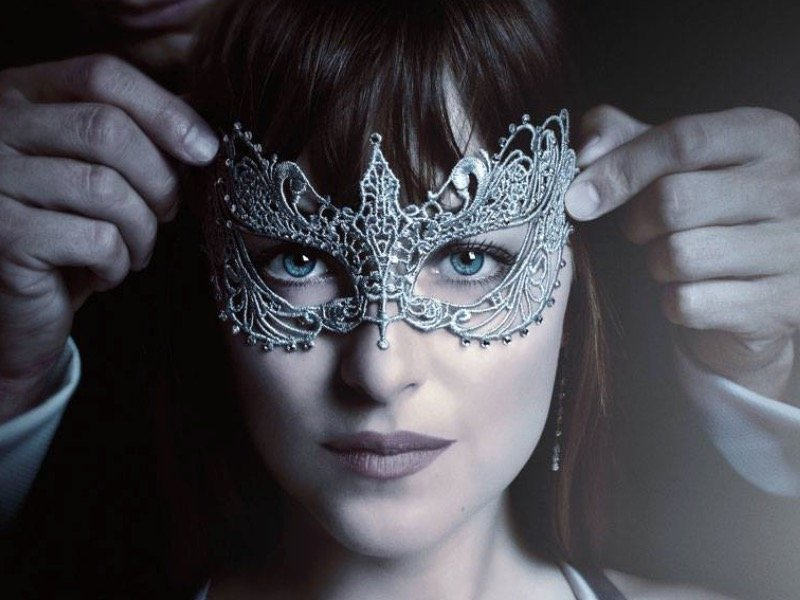 'Fifty Shades Darker,' as reviewed by a real-life submissive