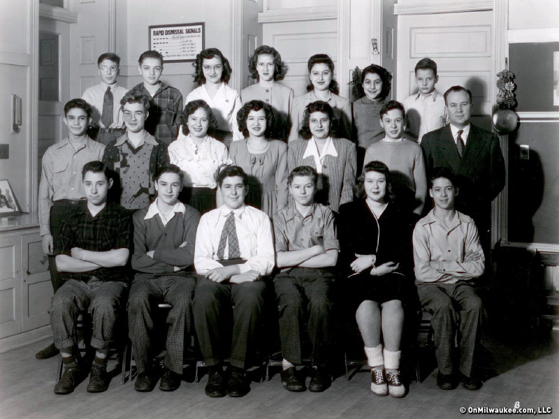A Maryland Avenue class photo from the 1940s.