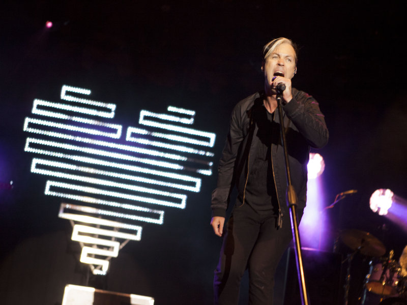 Neo-soul outfit Fitz and the Tantrums delivered a fiercely energetic show Friday night.