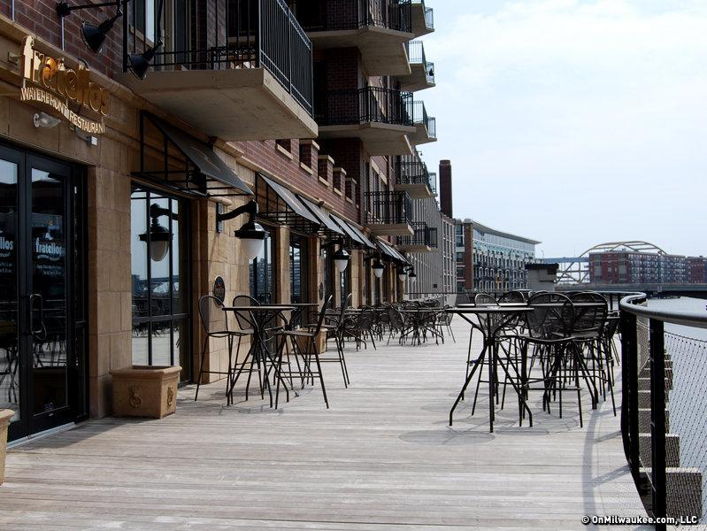 Onmilwaukee dining fratellos waterfront restaurant