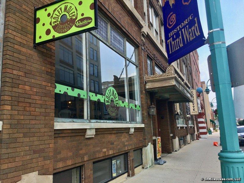 Freshfin Poke to open second location in Third Ward ...