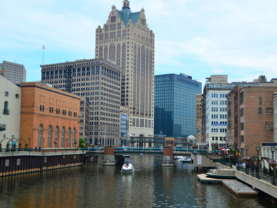7 places to have a geocache adventure in Milwaukee Image